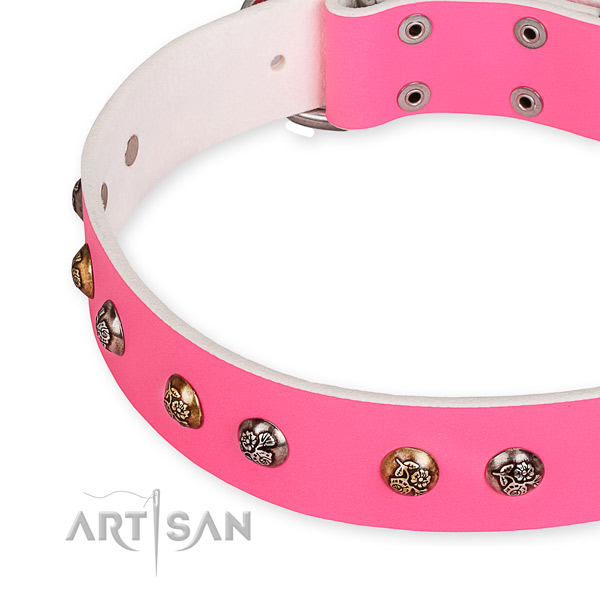 Fashion Pink Leather Dog Collar Decorated with Old Look Studs