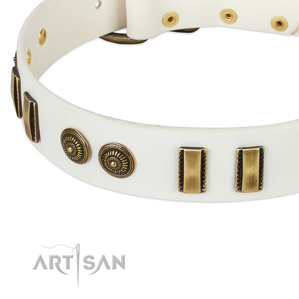 Reliable white leather dog collar with old bronze look decorations